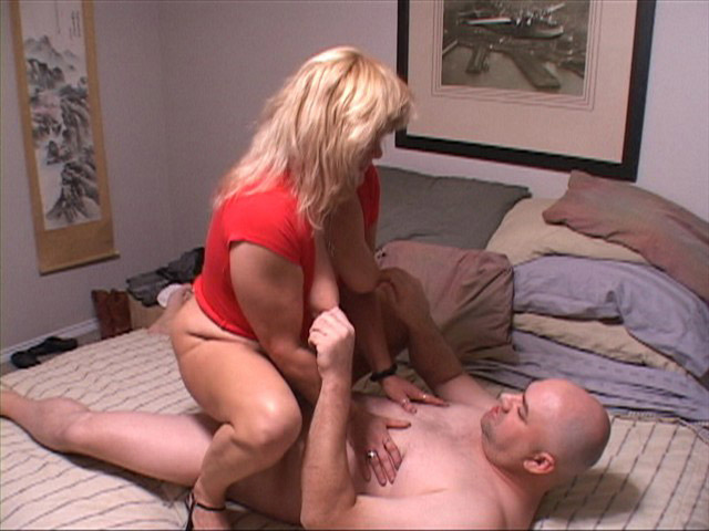 Mature wife fucked by younger guy 9